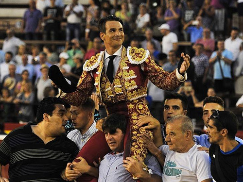 Manzanares se impone en Valencia