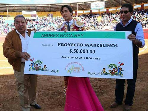 Roca Rey dona 50 mil dólares en Perú