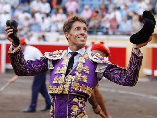 Oreja por coleta en la corrida de Bilbao