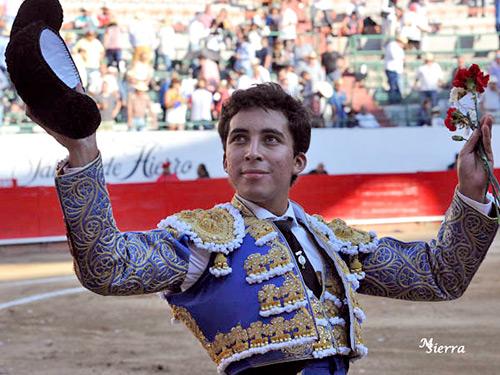 Leo da una vuelta al ruedo en Guadalajara