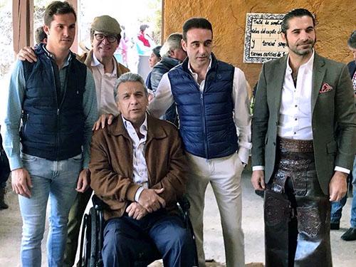El presidente de Ecuador convive con toreros