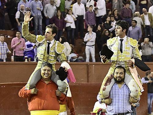 Mauricio y Fermín, a hombros en SLP