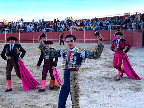 Magaña triunfa en Portillo de Toledo
