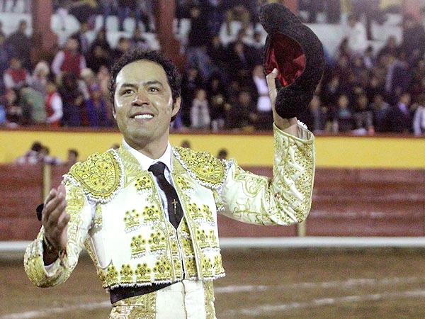 Angelino destaca en la corrida de Tlaxcala