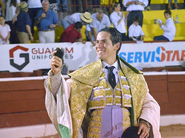 Silveti y Sánchez cortan oreja en Mérida