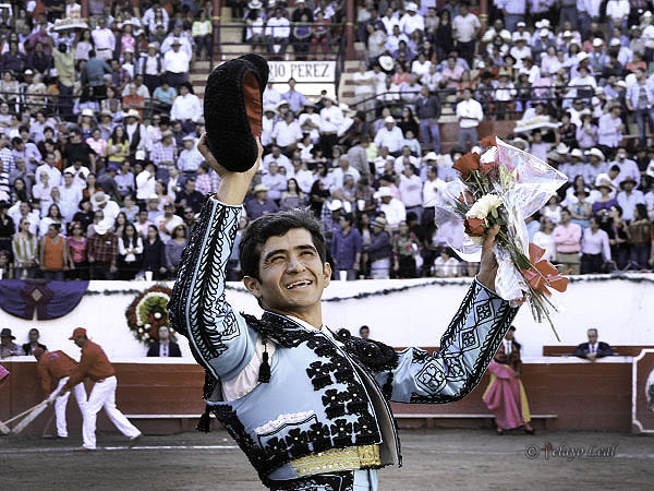 Joselito corta la única oreja en Autlán