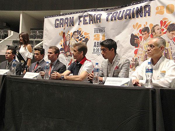 Presentan carteles de la Feria de Puebla