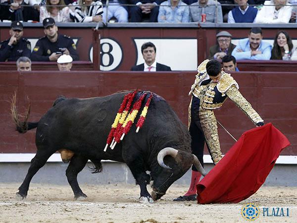 Gran faena de Alejandro Talavante en Madrid