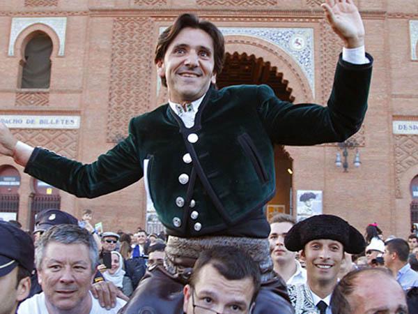Diego Ventura abre la Puerta Grande de Madrid