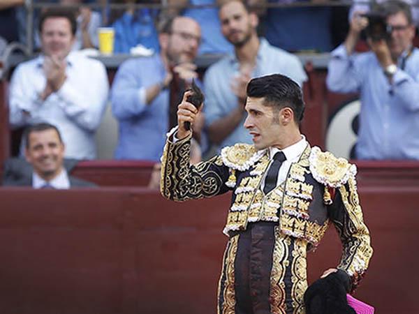 Talavante vive la cara y la cruz en Madrid