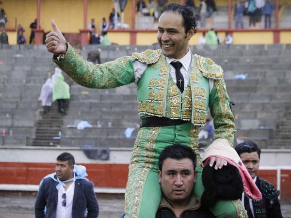 José Luis Angelino gana el trofeo en Apizaco