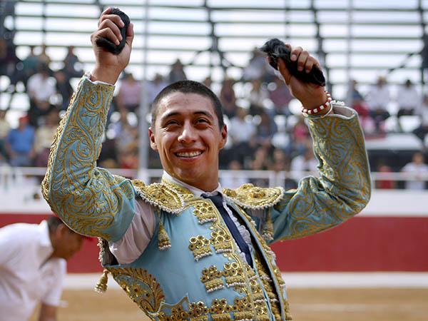 Sergio Flores triunfa en San Juan del Río