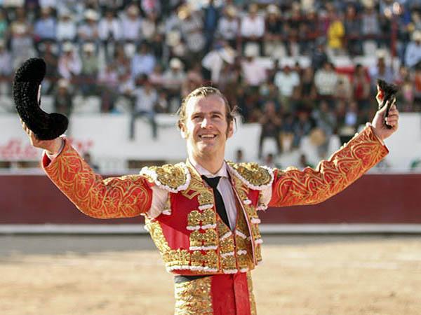 El Payo triunfa en la corrida de Caxuxi