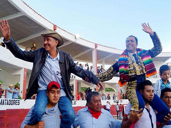 Angelino indulta un toro de Felipe González