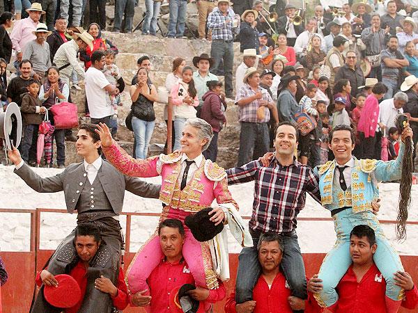 Chicavasco vivió una triunfal tarde de toros