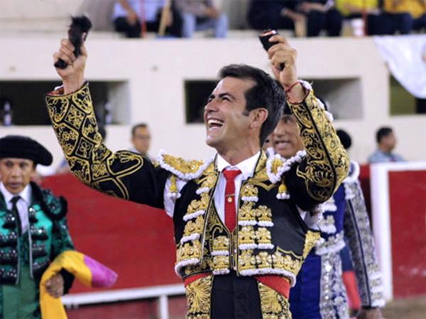 Macías se impone en Juárez