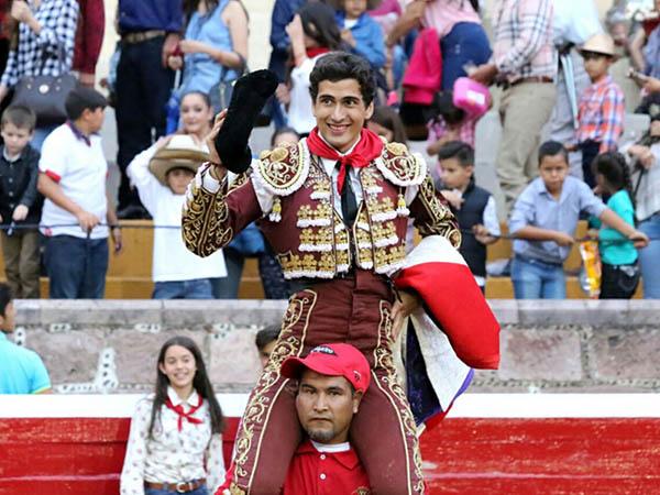Luis Octavio López triunfa en San Miguel