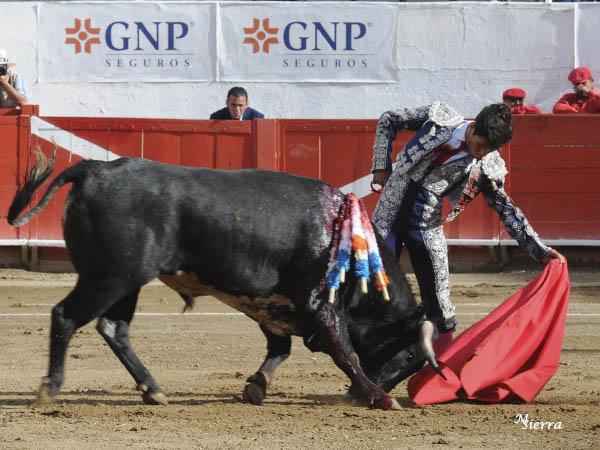 Francisco Martínez da una vuelta en Guadalajara