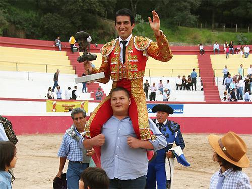 Calita se impone en la final de Feria Toro