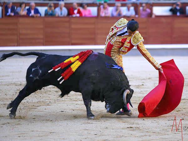 San Román saluda dos ovaciones en Madrid