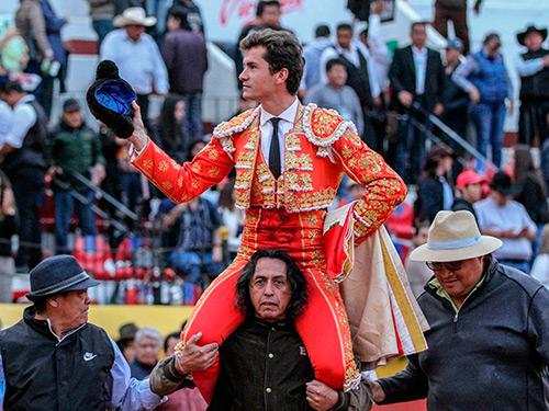 Luque y Armillita caen de pie en Pachuca
