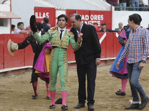 Luis David indulta un toro en Guadalajara