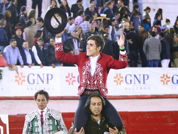 Guillermo Hermoso sale a hombros en Irapuato