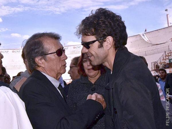 José Tomás acude a despedir a Fabián Ruiz