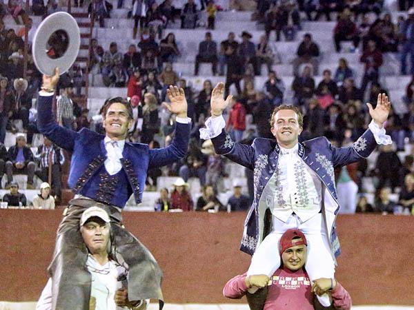 Gárate y Gamero triunfan en Ayutla