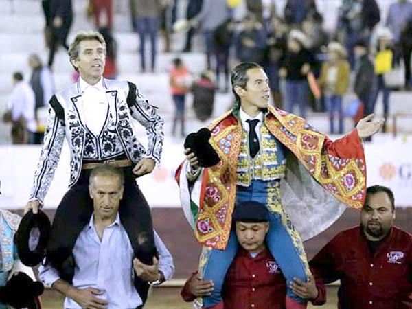 Diego Silveti indulta un toro en el cierre de León