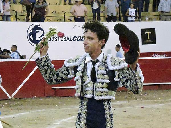Antonio Mendoza triunfa en Autlán
