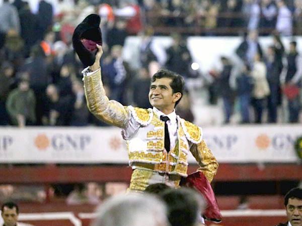 Joselito triunfa en Monterrey