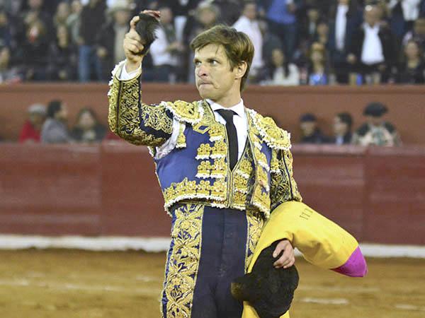 Saldívar y El Juli cortan oreja en San Luis Potosí