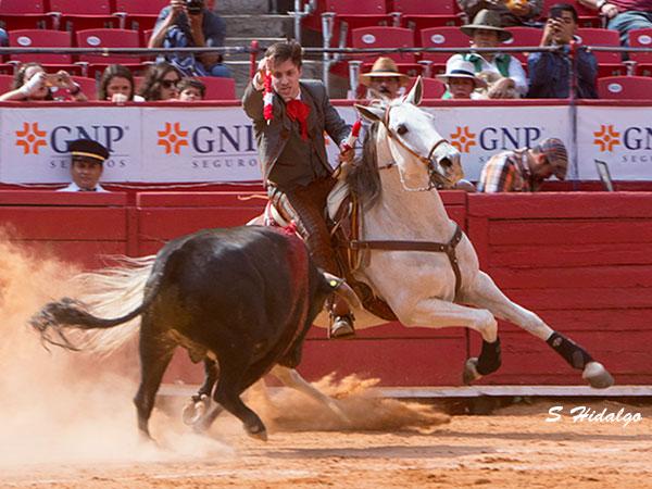 Joaquín Gallo da la única vuelta en la México