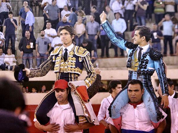 Castella y Adame triunfan en Juárez