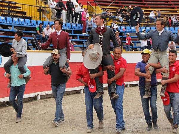 Los aficionados prácticos disfrutan en Puebla