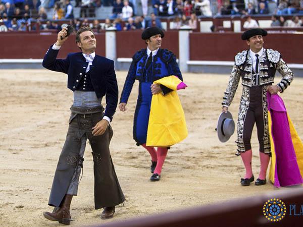 Burgos y Romero cortan oreja en Madrid