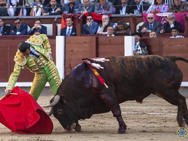 Mora y Del Álamo, ovacionados en Madrid
