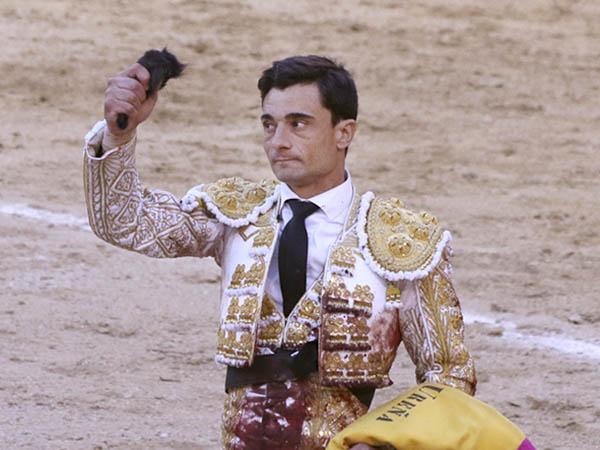 Paco Ureña corta una oreja en Madrid