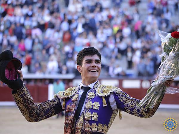 De Manuel pasea una oreja en Madrid