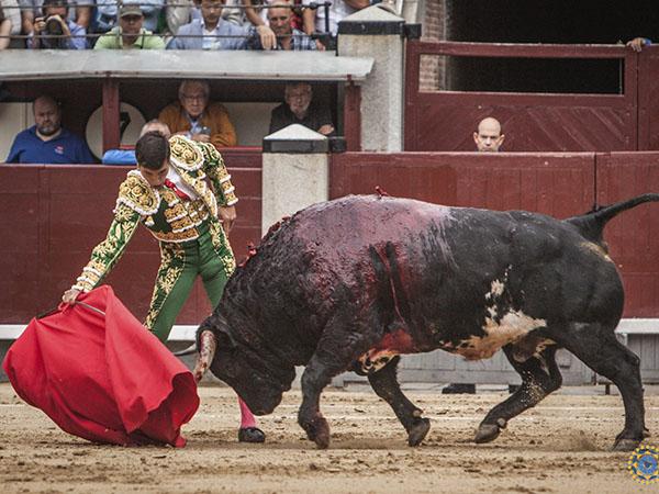 Tarde de esfuerzos en Las Ventas de Madrid