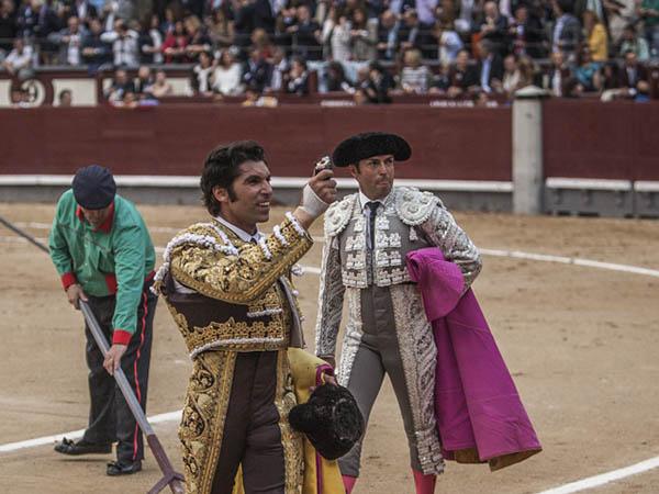 Cayetano corta una oreja en Las Ventas