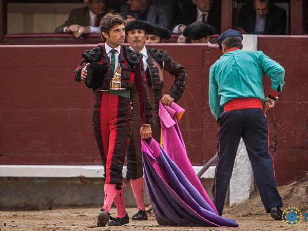 Robleño saluda la única ovación en Madrid