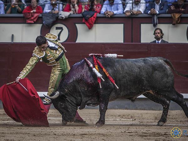 Paco Ureña sobresale en el cierre de Madrid