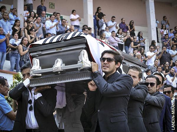 Dan el último adiós a Mario Aguilar