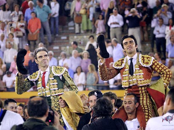 José Tomás y Perera triunfan en Algeciras