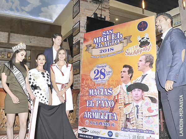Presentan dos carteles de feria para San Miguel