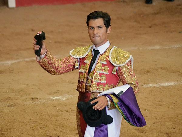 Martínez conquista la temporada en Arroyo