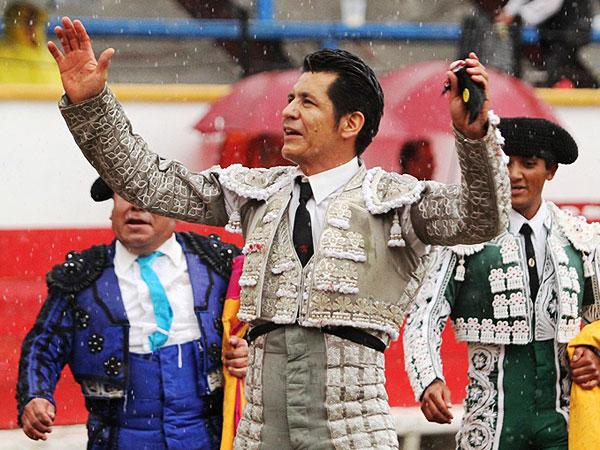 Ortega y Zapata triunfan en Puebla