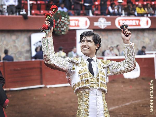 Luis David corta dos orejas en Zacatecas